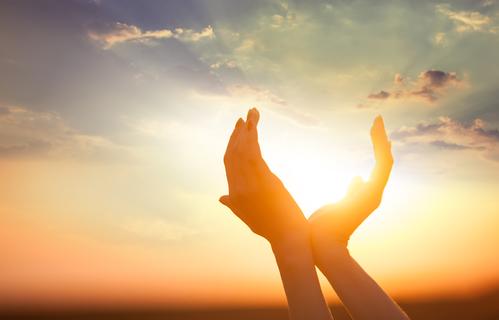 Vitamin D, Sonnenschein, Sonnenvitamin chronische Erkrankungen Hände
