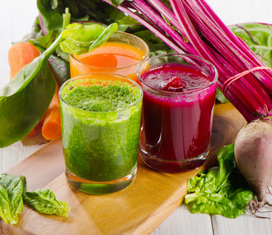 Entgiftung, rote Beete, Spinat, Saft, Smoothie
