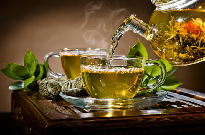 Grüner Tee, Grüntee, Teeservice, Teeblätter