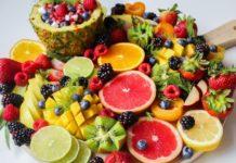 Vitamin C reiche Lebensmittel, zitronen, Grapefruit, Mango, Melone, Ananas, Beeren